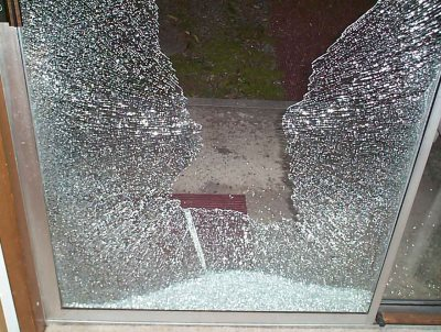 Rave News Raver Wants To Outlaw Glass Doors After Walking Into One